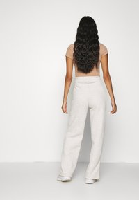 Nly by Nelly - STRAIGHT COZY PANTS - Trainingsbroek - beige mélange - 2