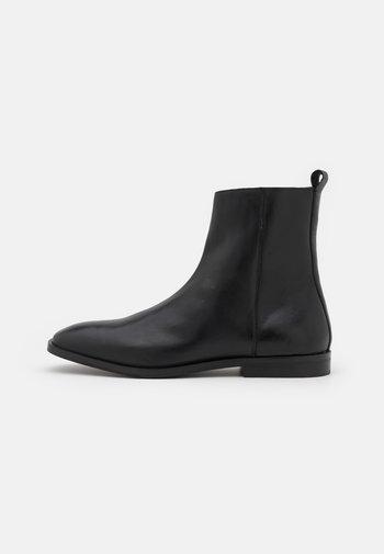 ALEX INSIZE ZIP BOOT - Stivaletti - sandigo black