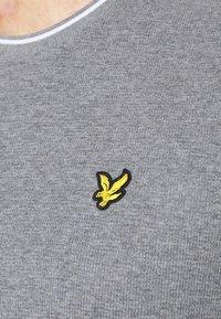 Lyle & Scott - WAFFLE - Basic T-shirt - mid grey marl - 5