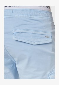 INDICODE JEANS - KINNAIRD - Shorts - light blue - 4