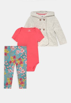 QUILTED SET - Basic T-shirt - multi-coloured