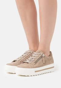 Gabor Comfort - Trainers - taupe - 0