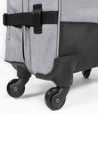 Eastpak - TRANS4 - Wheeled suitcase - sunday grey - 4