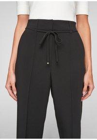 s.Oliver BLACK LABEL - REGULAR CULOTTE MIT ZIERNAHT - Trousers - black - 3