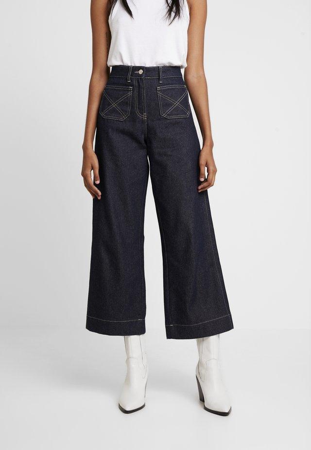 LUCAS WIDE LEG - Flared jeans - dark blue