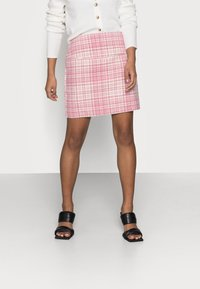 Missguided Petite - BRUSHED CHECK MINI SKIRT - Mini skirt - pink - 0
