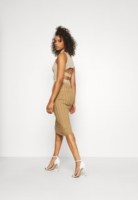 Missguided Tall - EXTREME MIDI SKIRT - Pencil skirt - brown - 2