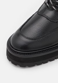 The Kooples - SHOES - Kotníkové boty na platformě - black - 6