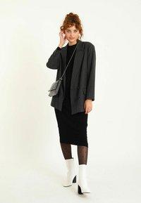 Pimkie - Jumper dress - schwarz - 1