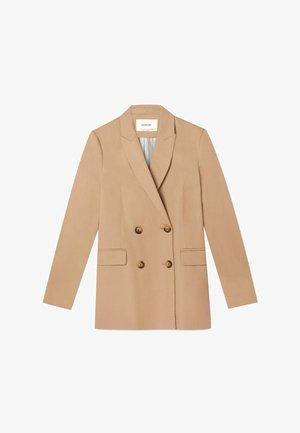 Krátký kabát - brown