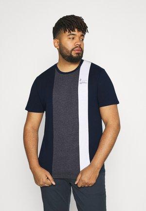 VERTICAL SPLICE CREW TEE - T-shirt med print - navy
