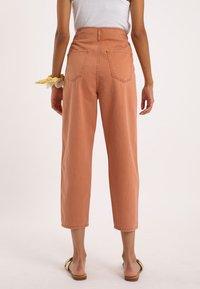 Pimkie - Straight leg jeans - rot - 2