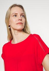s.Oliver - T-shirt z nadrukiem - red - 3