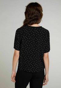 Oui - Print T-shirt - black offwhite - 2