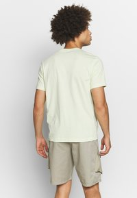 Champion Rochester - ROCHESTER CREWNECK  - T-shirts print - light green - 2