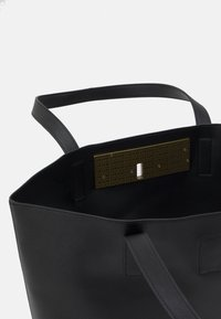 Versace Jeans Couture - LOGOLOCK BAG SET - Handbag - nero - 4