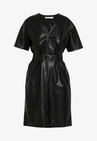 NA-KD - V FRONT BUCKLE BELT DRESS - Robe d'été - black - 4