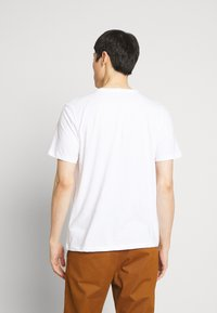 Timberland - T-shirt z nadrukiem - white - 2