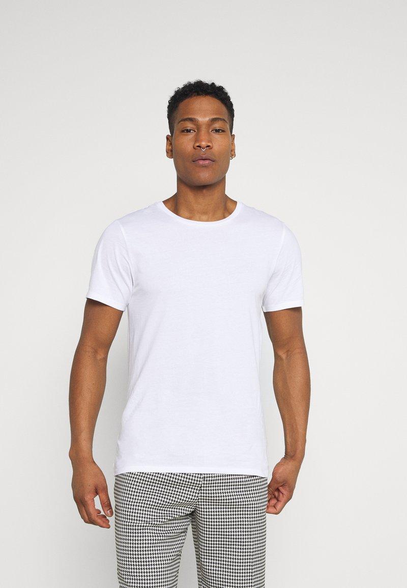 Weekday - OLIVER LIGHT - Basic T-shirt - white