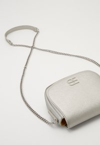 Esprit - DANIELLESB - Across body bag - silver - 5
