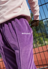 9N1M SENSE - TRACK PANTS UNISEX - Pantalon de survêtement - purple - 2