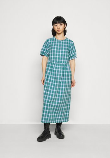 PUFF SMOCK DRESS CHECK
