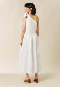 IVY & OAK - Maxi dress - bright white - 6