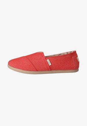 CLASSIC COMBI - Loaferit/pistokkaat - coral