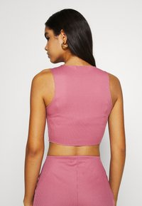 Missguided - RACER NECK CROP AND CYCLING SET - Shorts - pink - 4