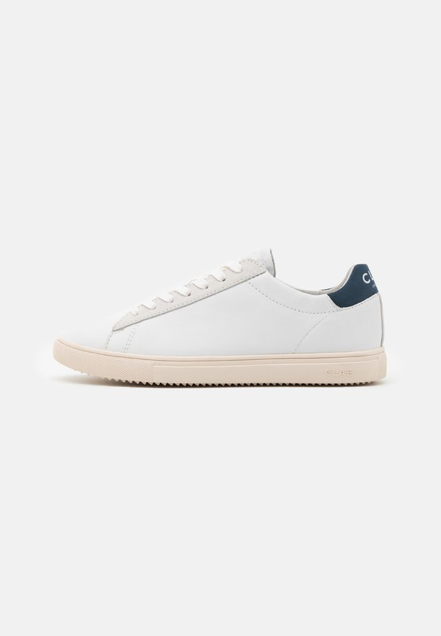 BRADLEY - Sneakers laag - white/blue