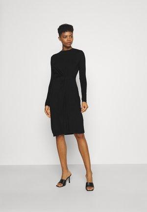 PCNEORA KNOT DRESS - Žerzejové šaty - black