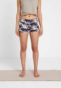 Curare Yogawear - YOGA SHORTS - Leggings - multi-coloured - 0