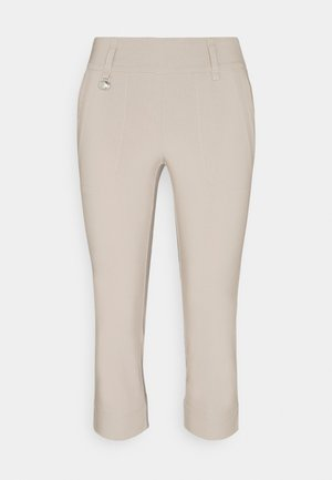 MAGIC CAPRI - 3/4 sports trousers - sandy