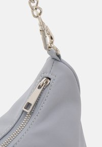 Gina Tricot - ALMA BAG - Handbag - dusty blue - 3