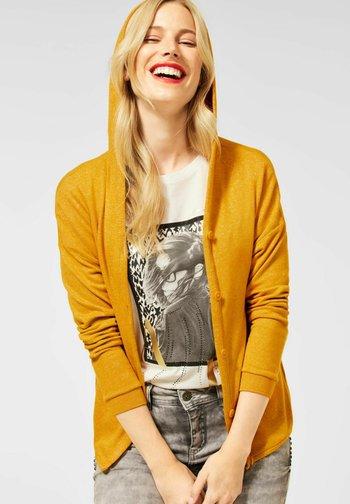 MIT KAPUZE - Cardigan - gelb