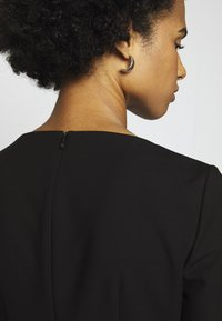 HUGO - KIBINA - Pouzdrové šaty - black - 4