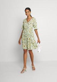 Pieces - PCCARLA DRESS - Kjole - pastel green - 1