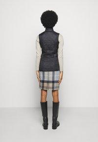 Barbour - BARBOUR WRAY GILET - Waistcoat - black - 2