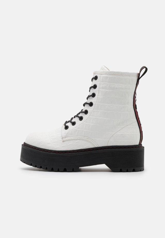 VEGAN  SIBEL - Platform ankle boots - white