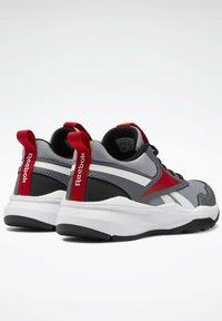 Reebok - XT SPRINTER 2.0 ALTERNATE ENERGY DRIVERS RUNNING - Sneakers basse - grey - 8