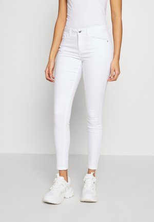 VMTANYA PIPING - Jeansy Skinny Fit - bright white