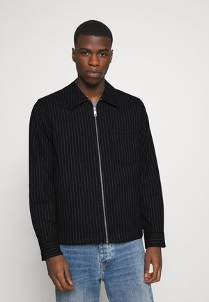 AHMED PINSTRIPE OVERSHIRT - Lehká bunda - black