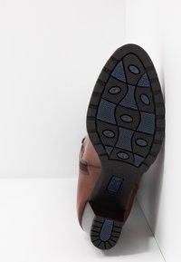 Caprice - Vysoká obuv - cognac - 6