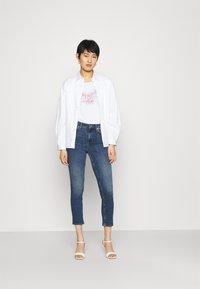 Liu Jo Jeans - Printtipaita - bianco - 1