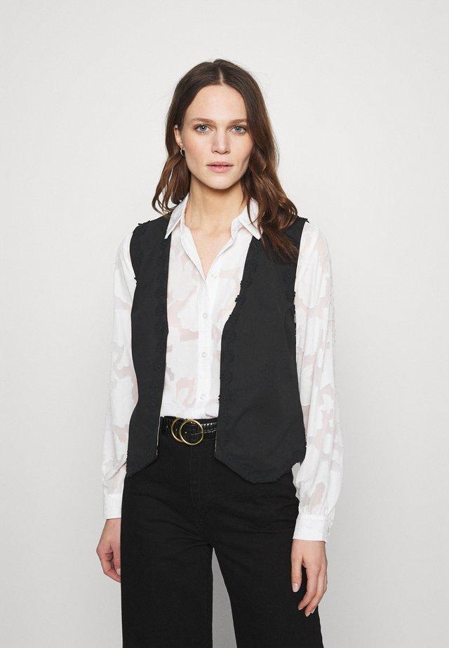 GILLIAN GILET - Vest - beige/black/brown