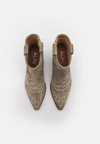 Alpe - TEJANA - Cowboy/biker ankle boot - army - 5