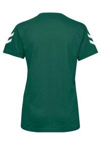 Hummel - GO WOMAN - T-shirts med print - evergreen - 1