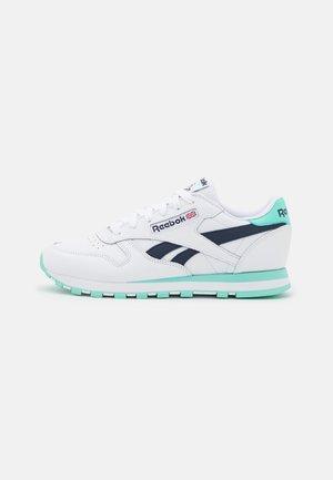 Zapatillas - footwear white/pixel mint/vector navy