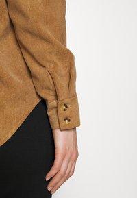 Vero Moda - VMSYLVIA - Button-down blouse - tobacco brown - 6