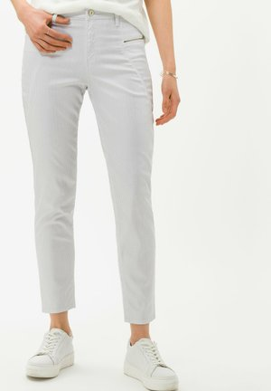 STYLE SHAKIRA S - Slim fit jeans - clean off white